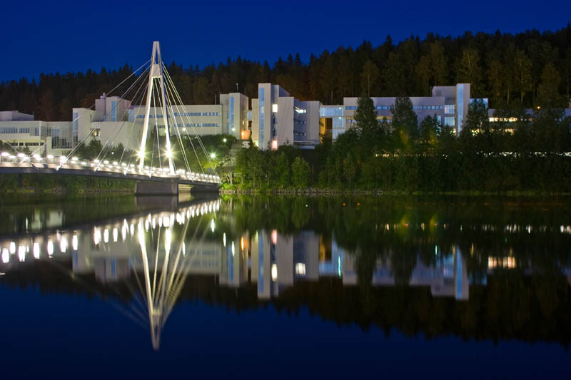 Physics and Chemistry departments at nighttime, image by Eero Pykäläinen